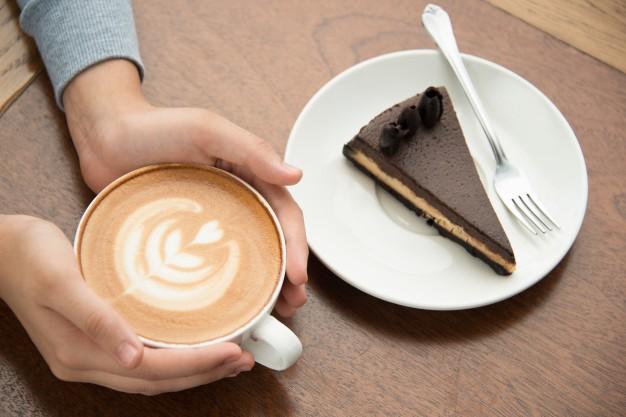 Combo Cake & Tea/ Coffee